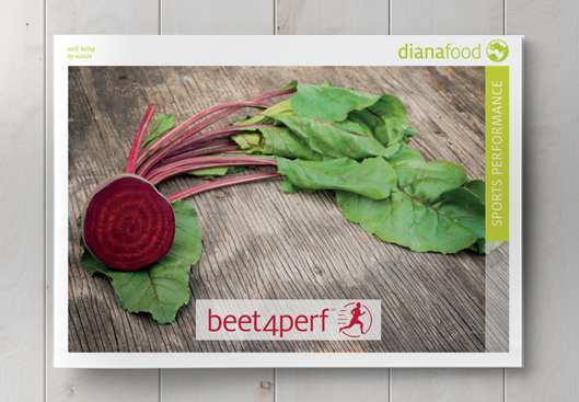 Top view of the Beet4Perf brochure on wooden table